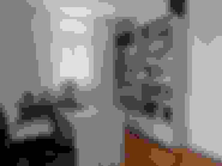 ห้องทำงาน/อ่านหนังสือ by Maria Helena Torres Arquitetura e Design