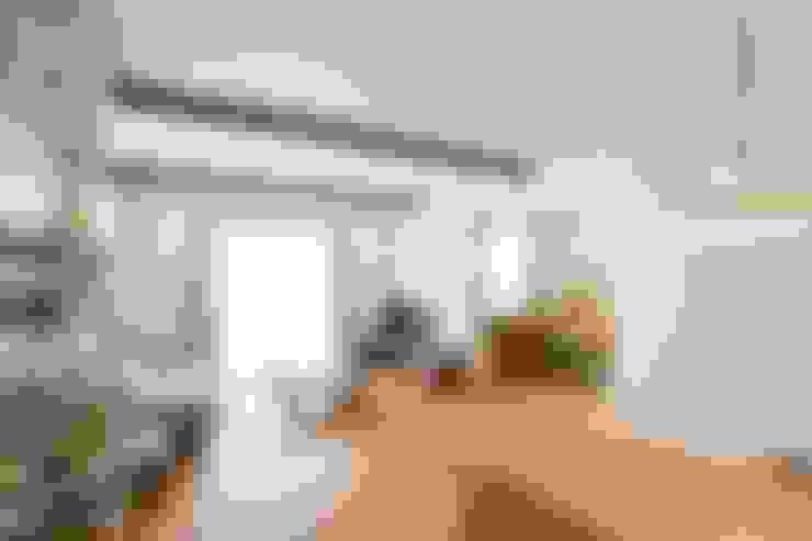 Salas de estilo  por ジャストの家