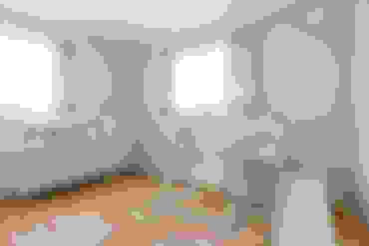Habitaciones infantiles de estilo  por ジャストの家