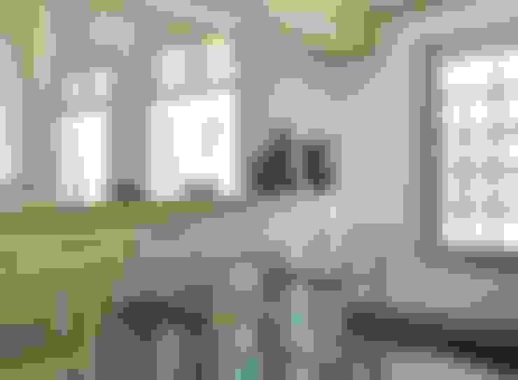 RESIDÊNCIA JCGS | SÃO FERNANDO GOLF CLUB (PROJETO DE INTERIORES): Cozinhas  por Studio 011 Arquitetura