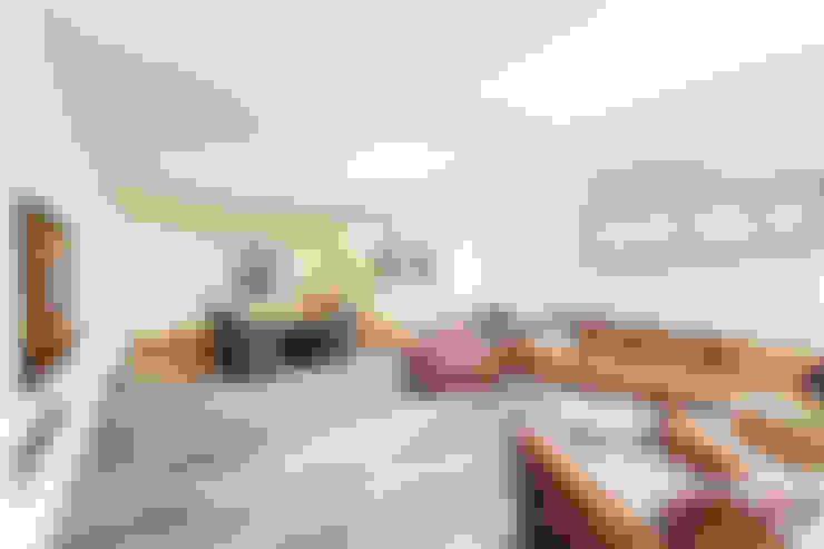 Гостиная в . Автор – ONE!CONTACT - Planungsbüro GmbH