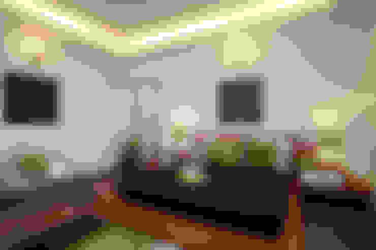 Guest Bedroom:  Bedroom by Savio and Rupa Interior Concepts