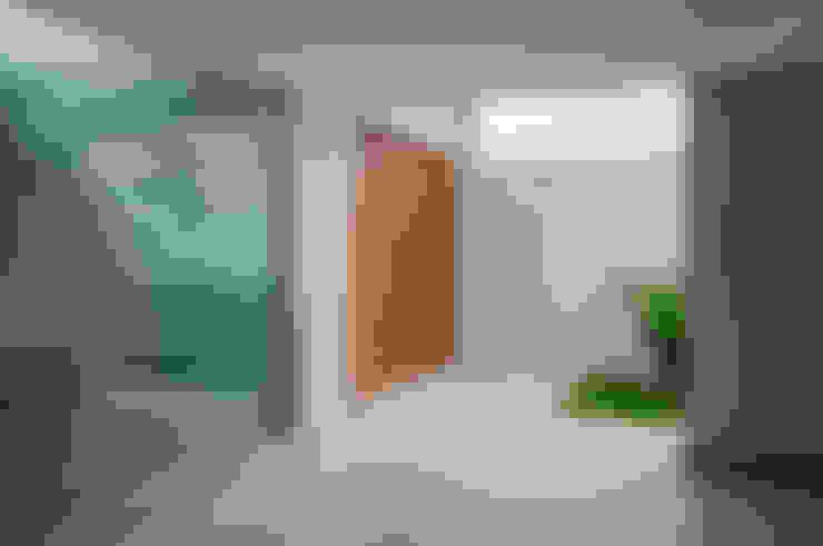 Corridor & hallway by A/ZERO Arquitetura
