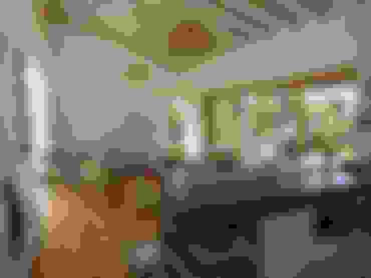 comedor: Comedores de estilo  por interior137 arquitectos