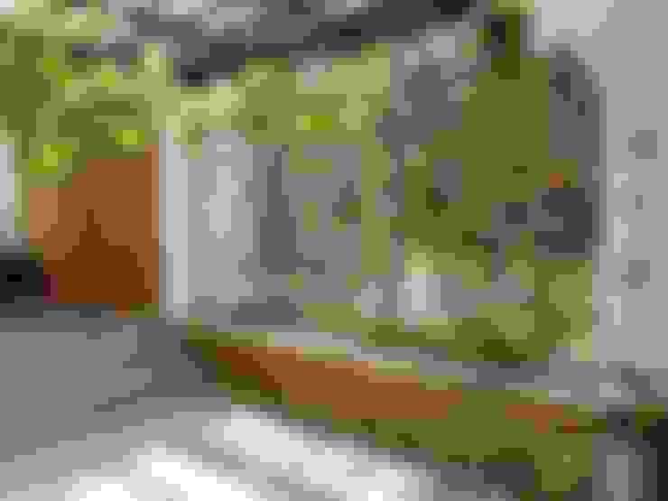 Jardines de estilo  por interior137 arquitectos
