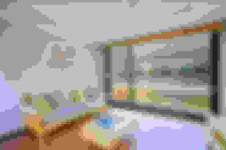 Wohnzimmer von 한글주택(주)