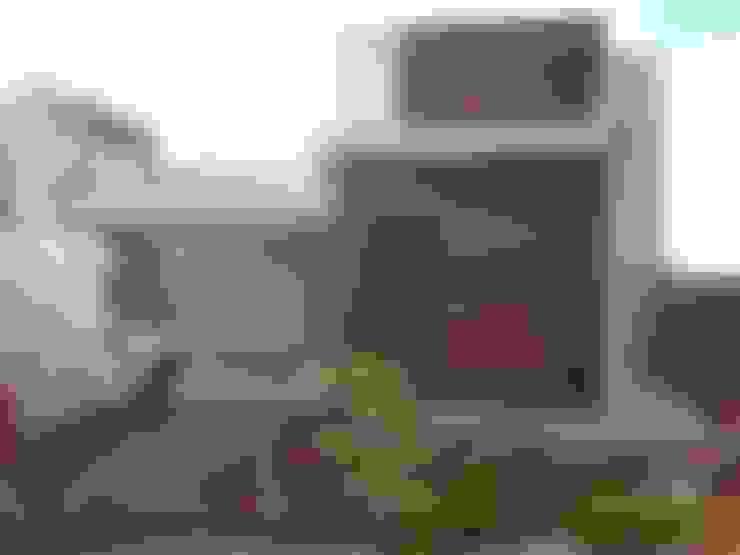Main Entrance (Entrada principal):  Houses by Tony Santos Arquitetura
