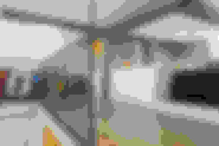 LOFT VOVÔ: Corredores e halls de entrada  por MEIUS ARQUITETURA