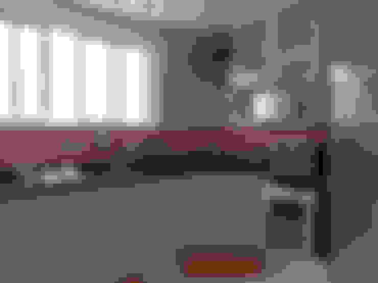 Reforma de Apartamento: Cozinhas  por MBDesign Arquitetura & Interiores