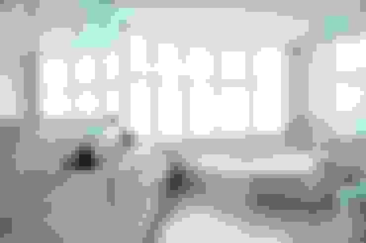 Bedroom by studio VIVADESIGN POR FLAVIA PORTELA ARQUITETURA + INTERIORES
