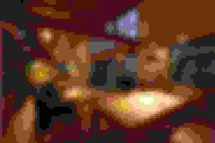 Salas de jantar  por 株式会社グランデザイン一級建築士事務所
