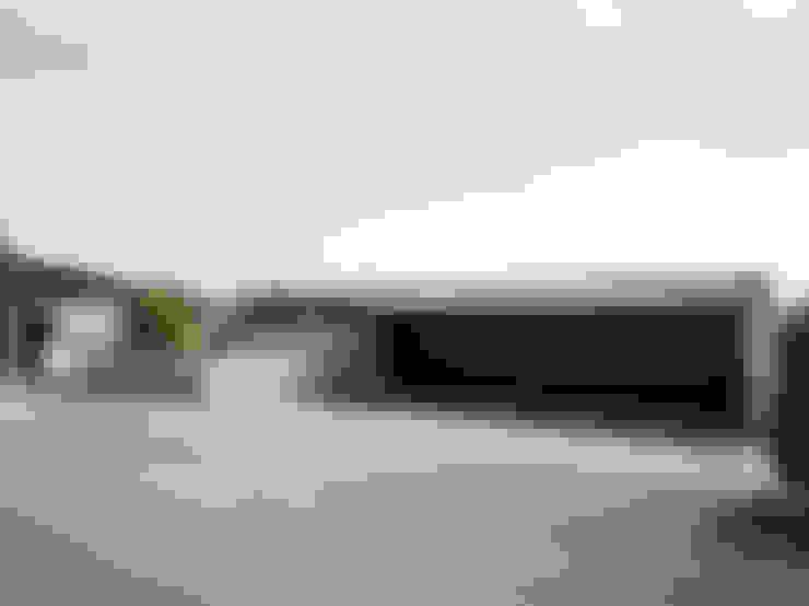 Garage / Hangar de style  par meier architekten zürich