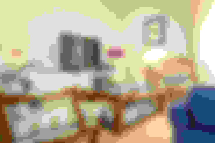 Soggiorno in stile  di Pedro Brás - Fotógrafo de Interiores e Arquitectura | Hotelaria | Alojamento Local | Imobiliárias