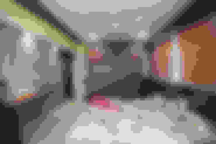 Dormitorios de estilo  por Intraspace