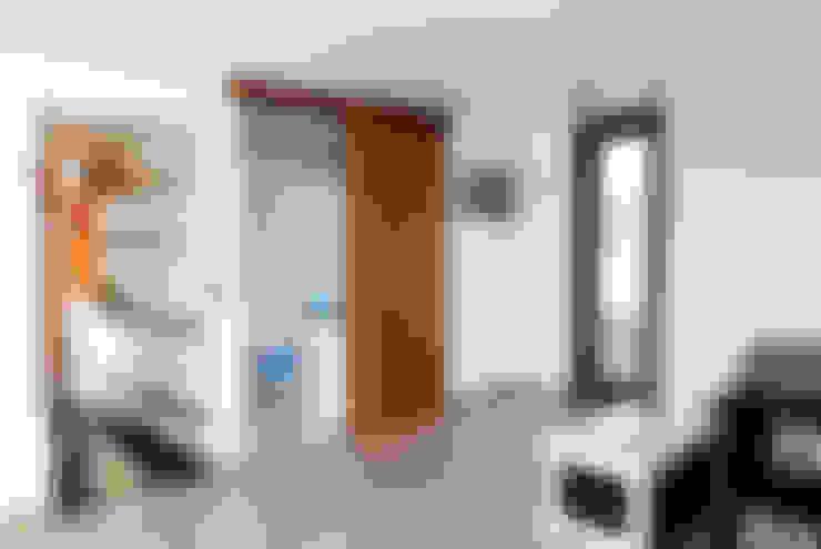 Salas de estilo  por MODULAR HOME