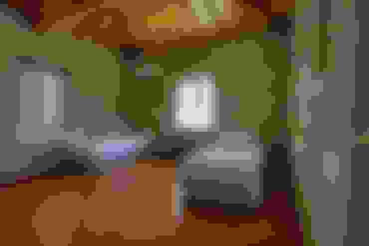 İBRAHİM TOPAL YAPI & MİMARLIK – REISDERE  EVİ / RESTORASYON PROJESİ:  tarz Yatak Odası