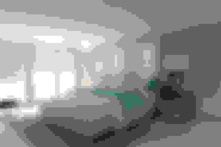Dormitorios de estilo  por Area5 arquitectura SAS
