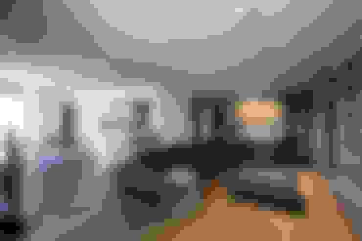 Living room by Laboratorio di Progettazione Claudio Criscione Design