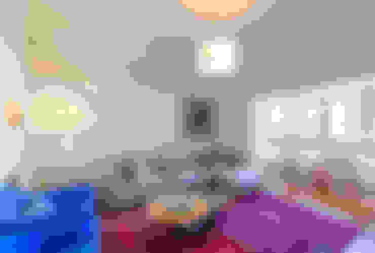 Apartamento Lisboa : Salas de estar  por Espaço Mínimo