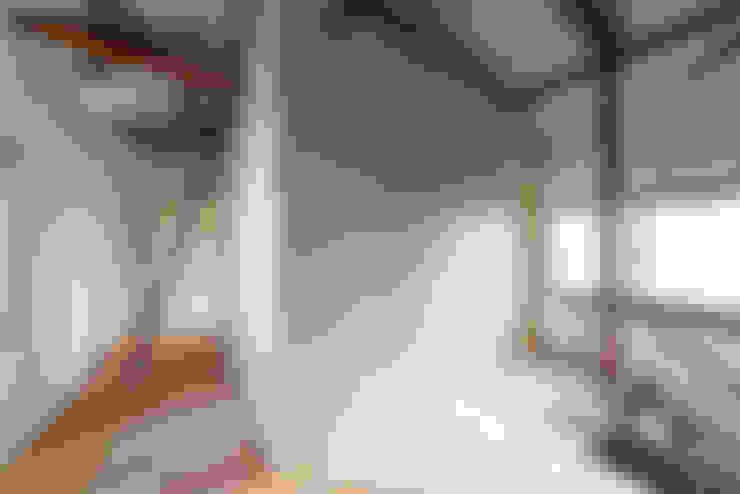 走廊 & 玄關 by coil松村一輝建設計事務所