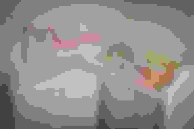 Apartamento Mnl: Quarto infantil  por Lozí - Projeto e Obra