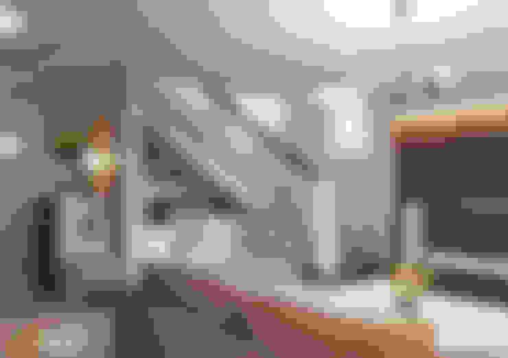 квартира студия  2-этажа: Гостиная в . Автор – SKILL