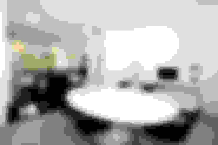 Residencia PG: Salas de jantar  por F:POLES ARQUITETOS ASSOCIADOS