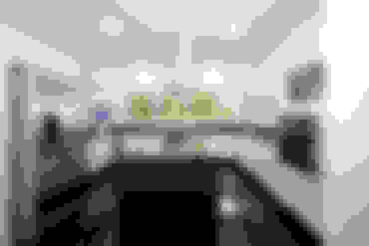 Residencia PG: Cozinhas  por F:POLES ARQUITETOS ASSOCIADOS