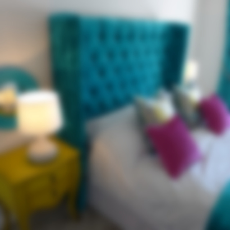 Dormitorios de estilo  por Style Within
