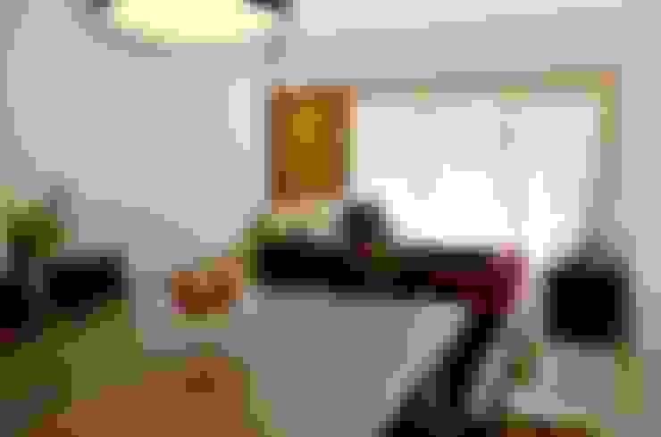 Living room by Lozí - Projeto e Obra