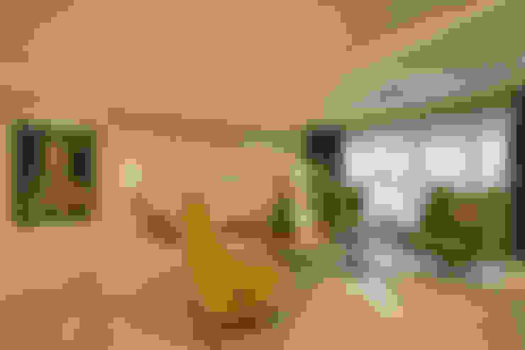 غرفة المعيشة تنفيذ Aum Architects