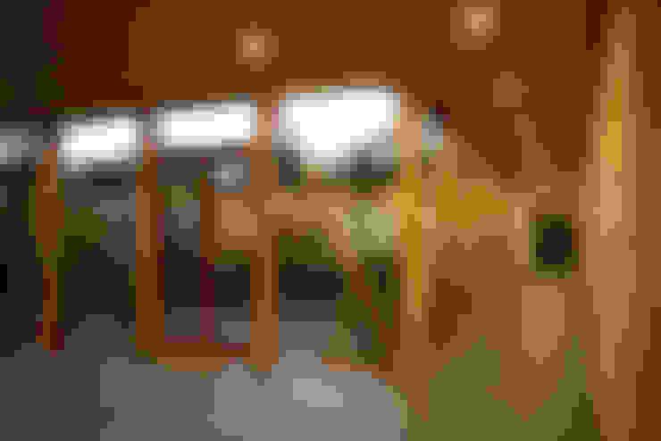 Biological Medical Center Glass Gallery: Pasillos y hall de entrada de estilo  por PhilippeGameArquitectos