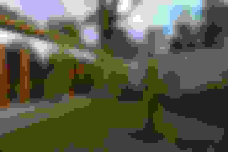 Biological Medical Center Garden and Gallery: Jardines de estilo  por PhilippeGameArquitectos