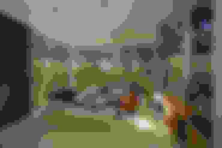 Salas de estar  por Echauri Morales Arquitectos