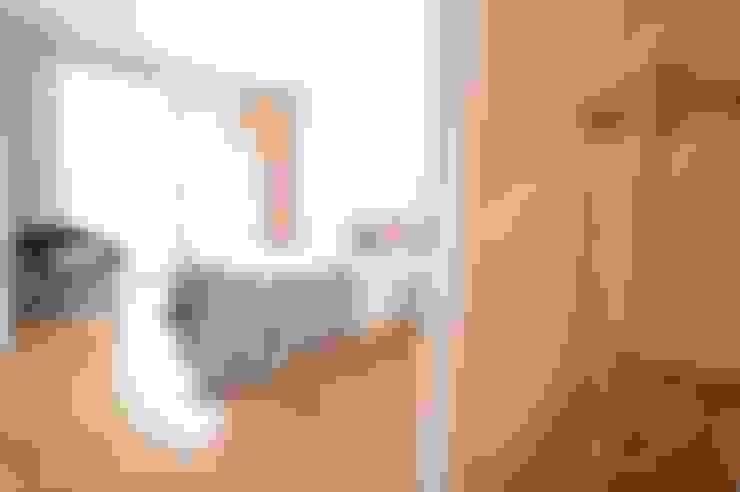 ห้องนอน by Karin Armbrust - Home Staging