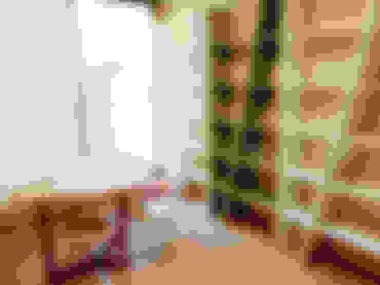 세련된 와인컬러 포인트 인테리어와 싱그러운 아이공부방 구경하기: 퍼스트애비뉴의  아이방