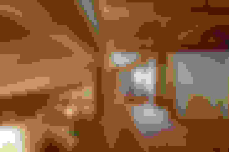 走廊 & 玄關 by 高野三上アーキテクツ一級建築設計事務所  TM Architects