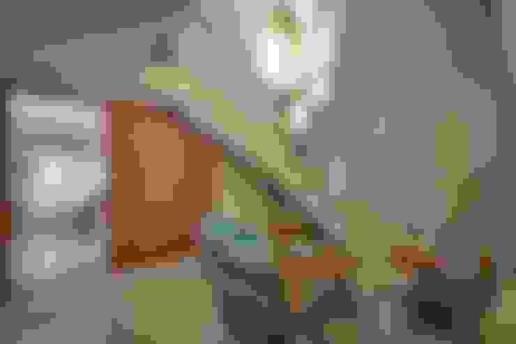 Salas / recibidores de estilo  por KARLEN + CLEMENTE ARQUITECTOS