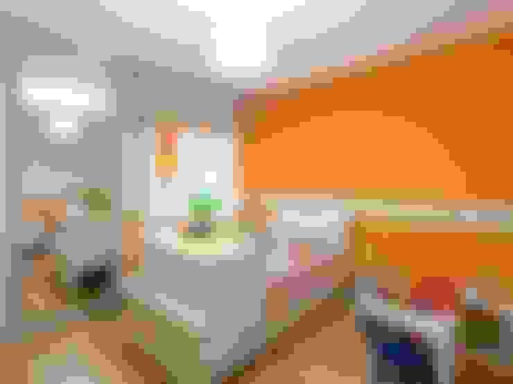 Quarto infantil  por KARLEN + CLEMENTE ARQUITECTOS