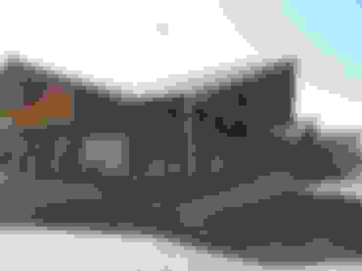 Peaje Tomeco: Edificios de Oficinas de estilo  por +ARQ