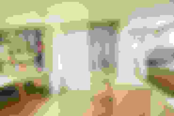 광교 서재형거실 홈스타일링(Kwanggyo APT): homelatte의  거실