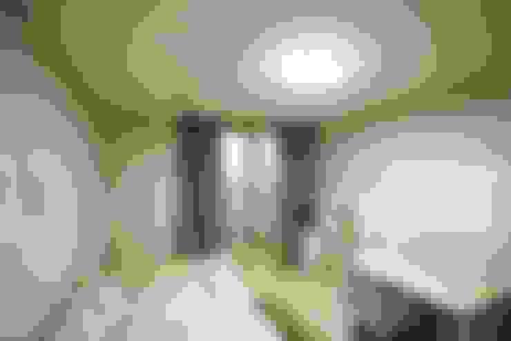 광교 서재형거실 홈스타일링(Kwanggyo APT): homelatte의  침실