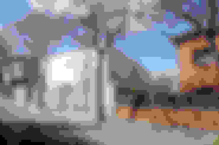 Casas de estilo  por CABRÉ I DÍAZ ARQUITECTES