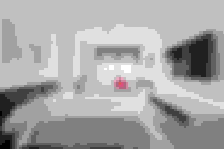Cuartos de estilo  por Bornelo Interior Design
