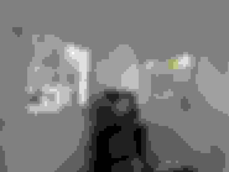 Salas / recibidores de estilo  por Estudio ZP