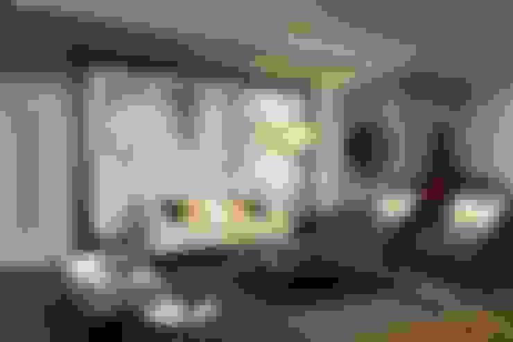 Living room by Kuro Design Studio