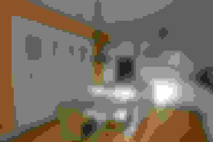 廚房 by Atres Arquitectes