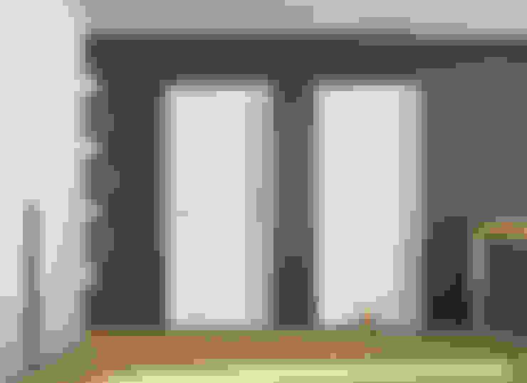 Puertas y ventanas de estilo  por Puertas Castalla