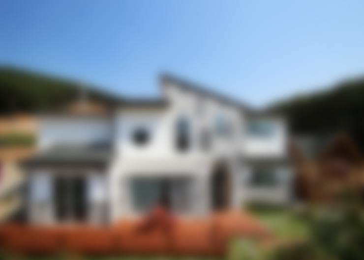 강화초지리 (Kanghwa): HOUSE & BUILDER의  주택
