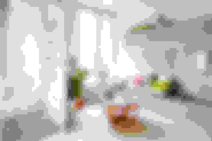 Projekty,  Salon zaprojektowane przez Zooco Estudio